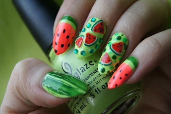 ongles nail art tendance ongles pointus déco pastèque
