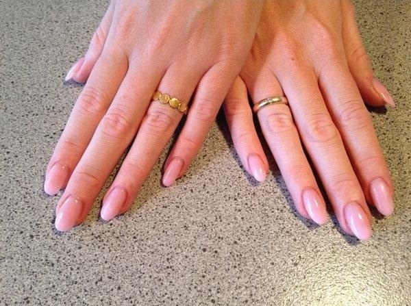 vernis-shellac-idee-deco-ongles-base-rose