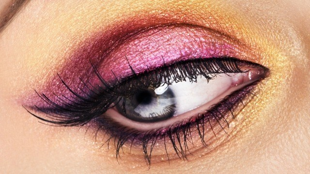 maquillage-yeux-idee-ete--eye-liner-fard--paupieres