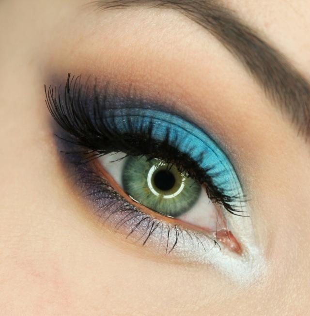 maquillage yeux idee-ete-eye-liner-mascara-fard-blanc-bleu