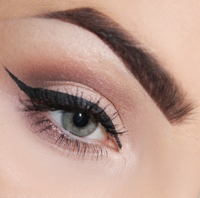 maquillage-yeux-idee-ete-eye-liner-sourcils-mascara