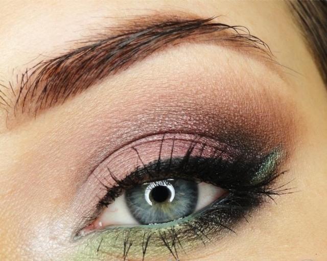 maquillage yeux idee-ete--smokey-eye-eye-liner-mascara