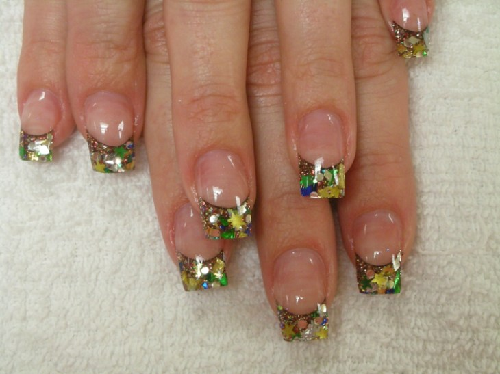 French-manucure-gel-paillettes-base-transparente