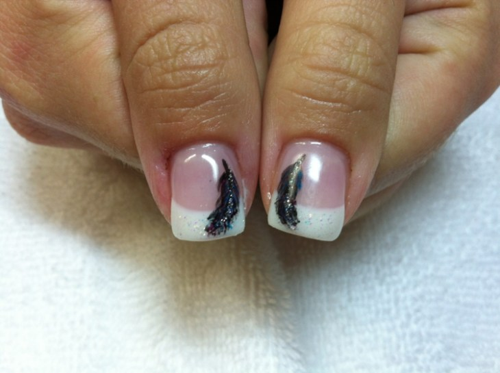 French-manucure-gel-plume-noirs-vernis-paillettes