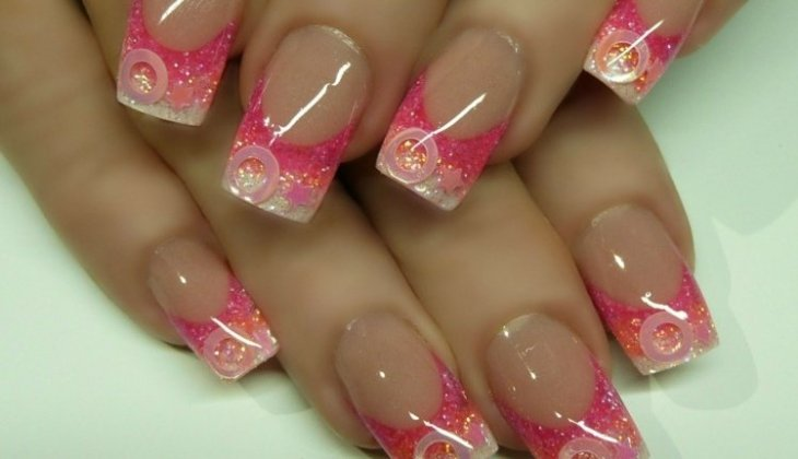 French-manucure-gel-rose-paillette-base-transparente