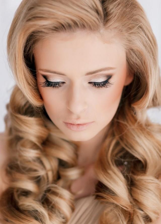 fard-paupières-blanc-noir-eye-liner-mascara-maquillage-mariée