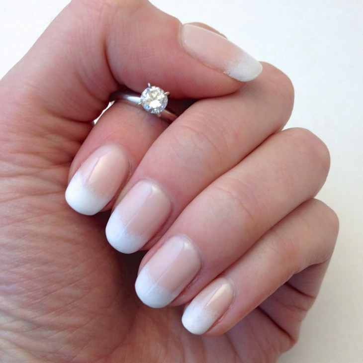 french manucure gel -degrade-vernis-ongles-blanc-nude