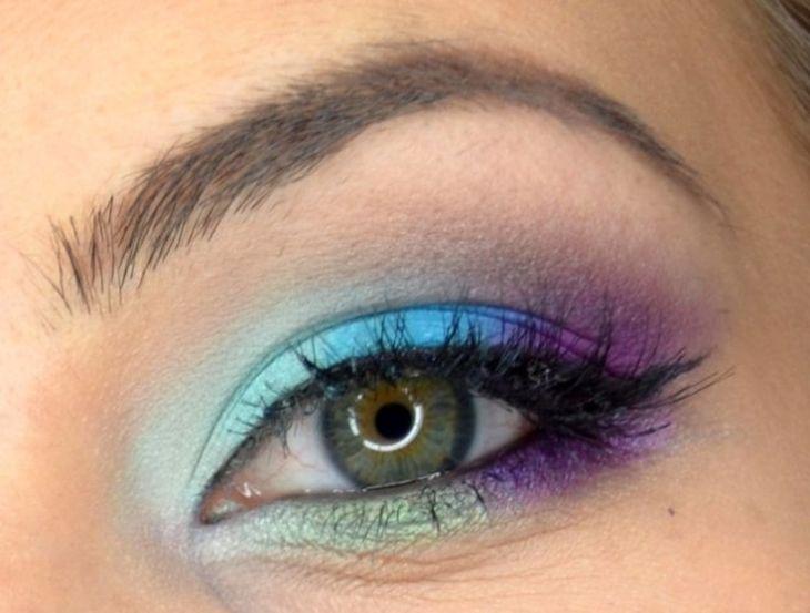 idees-maquillage-ete-fard-paupières-bleu-pourpre-mascara idées maquillage