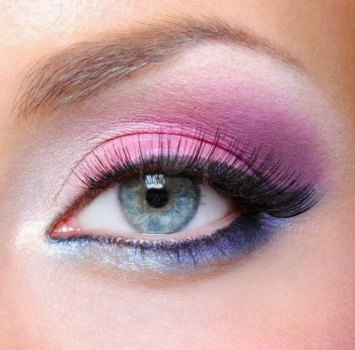 idees-maquillage-ete-ombre-paupières-rose-bleu-eye-liner-mascara idées maquillage