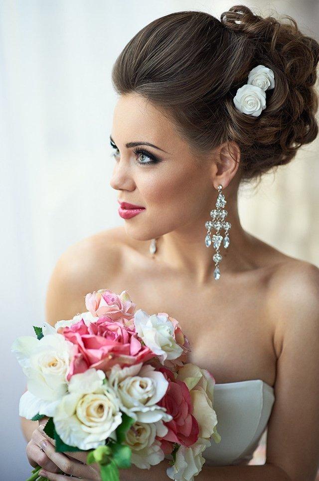 maquillage-mariée-naturel-brillant-lèvres-blush-pommettes