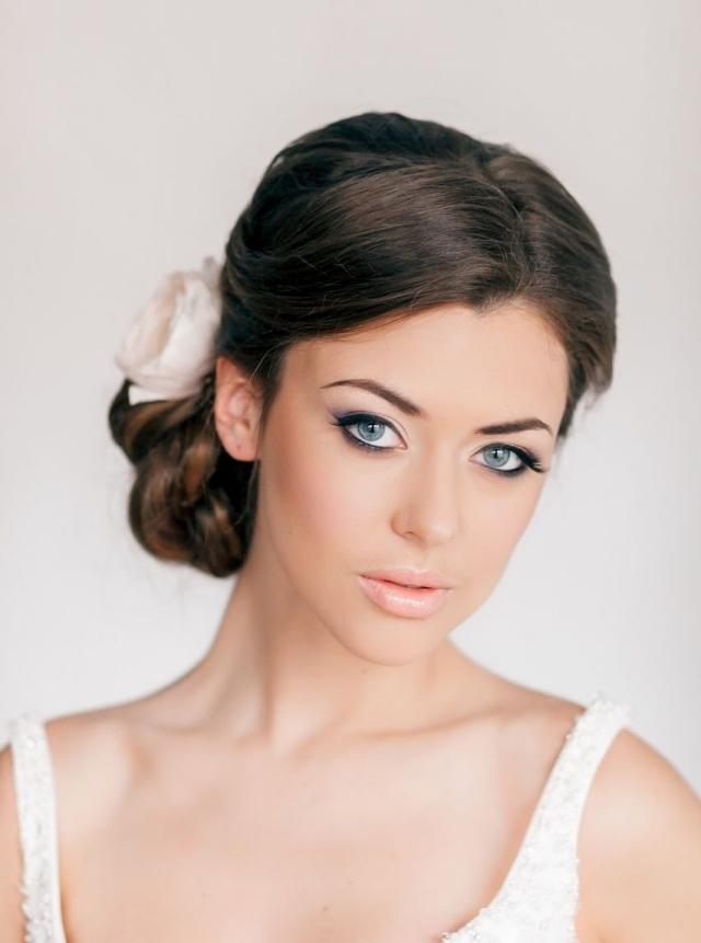 maquillage-mariée-naturel-crayon-yeux-noir-lèvres-nude