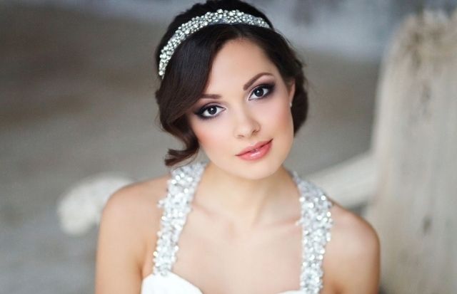maquillage-mariée-naturel-smokey-eye-brillant-lèvres