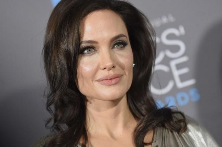 comment se maquiller stars rouge lèvres pastel Angelina Jolie