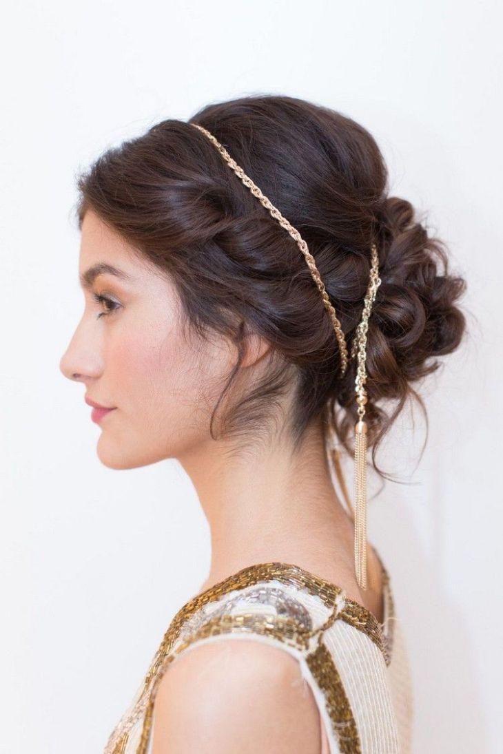coiffure pour nouvel an chignon-flou-elegant-hairband-chaine-or