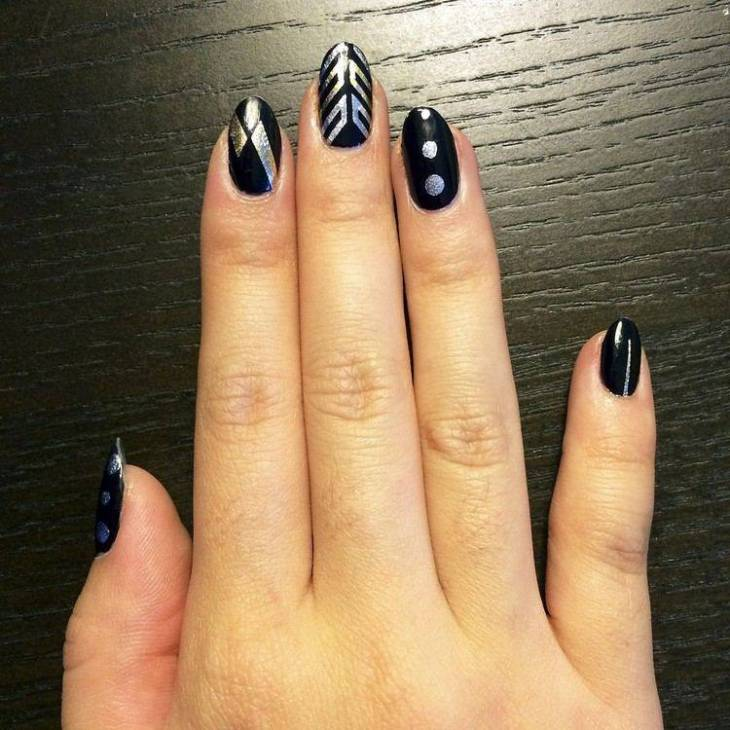 tatouages-éphémères-nail-art-motifs-différents-or-argent