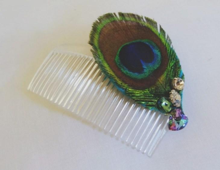 accessoire pour cheveux -peigne-cheveux-deco-plume-paon-perles-verre