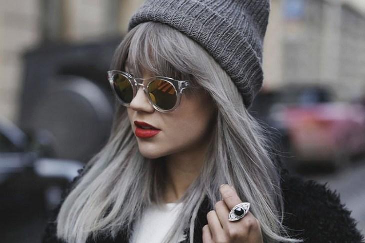 cheveux gris -frange-chapeau-gris