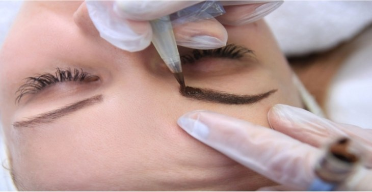 maquillage-permanent-sourcils-processus-dermopigmentation