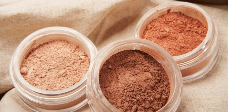 maquillage-nude-poudre-compacte-or-beige-nuances