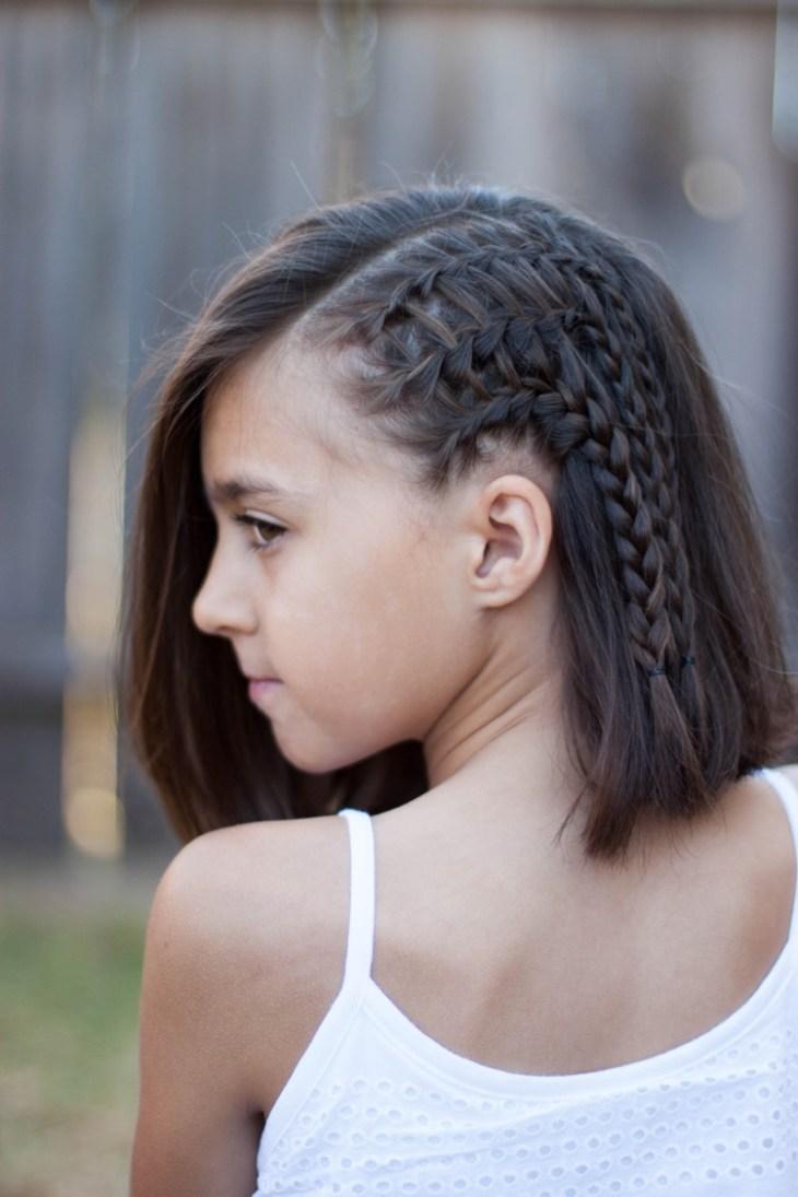 coiffure pour petite fille -tresse-échelle-personnalisée-cheveux-courts
