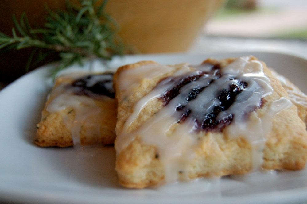 Blueberry Rosemary Scones (1/3)