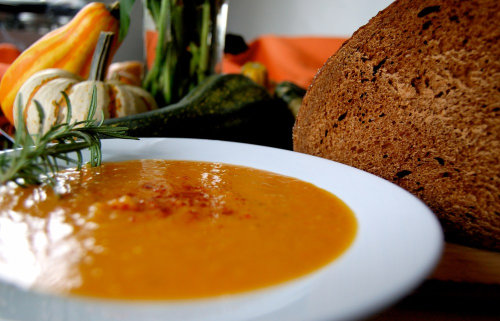 Roasted Butternut Squash Soup (2/6)