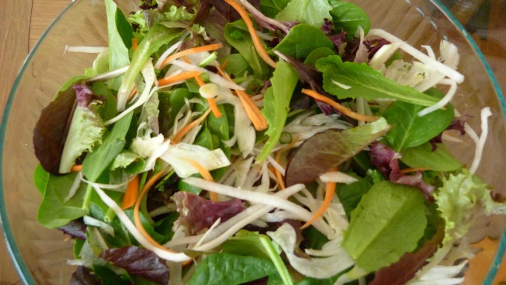 undressed salad
