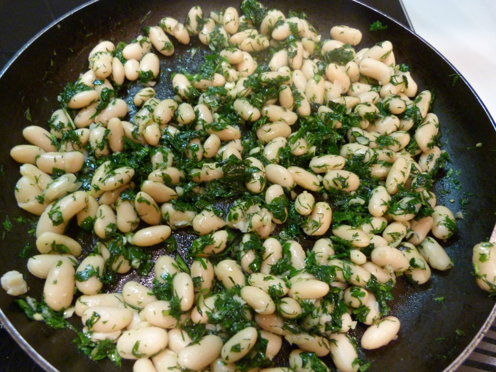 Cannellini Beans with Garlic and Herbs