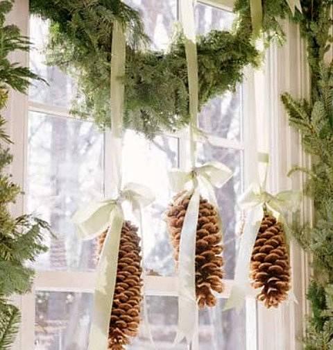 decoración de Navidad con piñas