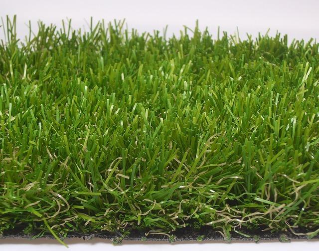 Modelos de c sped artificial para decorar tu jardin for Cesped artificial ikea