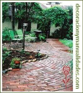 decoracion de jardin con camino rustico