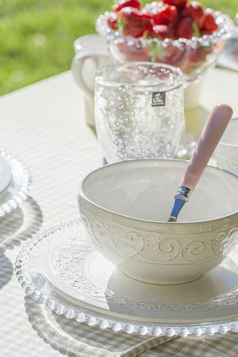 Decorar una mesa para un desayuno al sol for Mesa desayuno