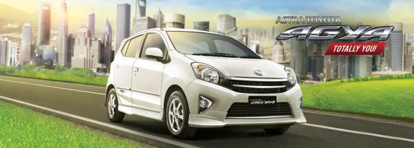 Toyota Agya. Mobil stylish yg lincah abis :3