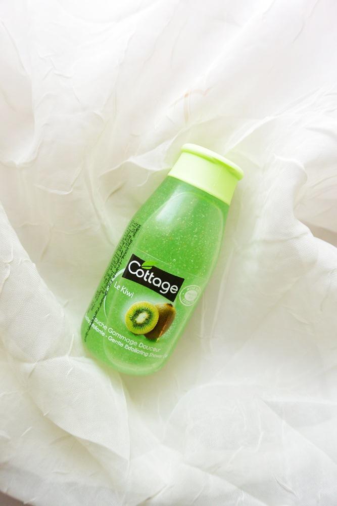 Senin Feminin - My Travel Partner, Face & Body Soap Plus Blush On - Putrikpm - cottage exfoliating shower gel