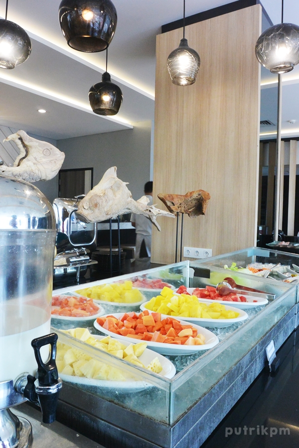 Breakfast at Hotel Neo Malioboro - Delapankata 3