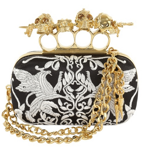 Trend Alert: Knuckle Clutches (2/6)