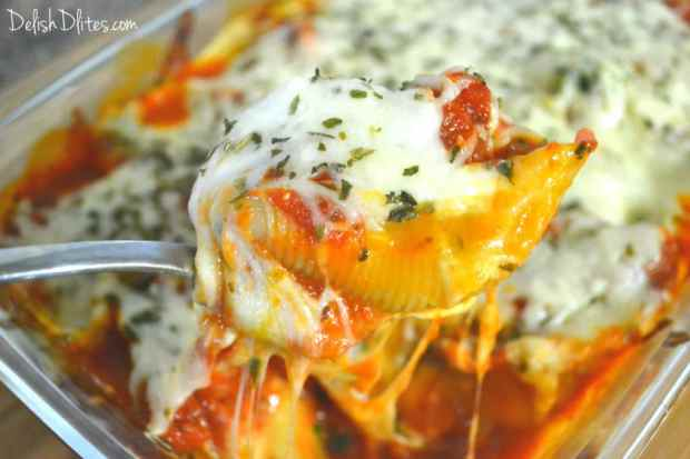 Sausage, Spinach and Artichoke Stuffed Shells | Delish D'Lites