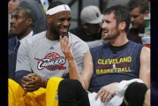 LeBron James pacta extensión de dos años con los Cavaliers