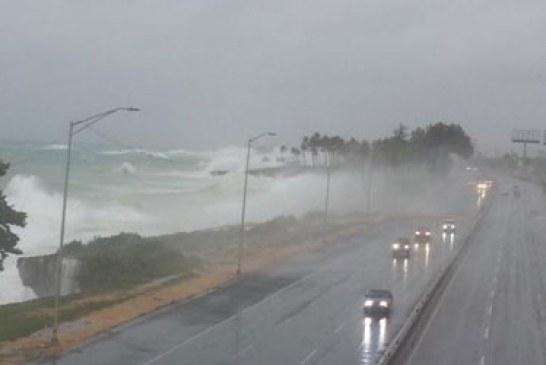 Continúan las lluvias en RD; Gastón se debilita a una tormenta tropical