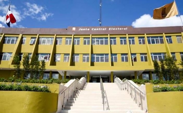 Danilistas y leonelistas llevan sus diferencias políticas a la Junta Central Electoral