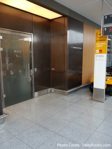 Entrance upstairs Lufthansa MUC 1st class lounge delta points blog