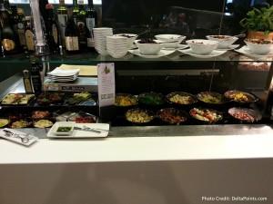 lunch buffet lufthansa 1st class lounge fra airport delta points blog (1)