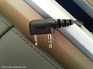 strange prongs on headset lufthansa 747-8 1st class delta points blog