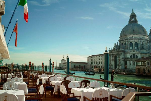 Club_del_Doge_Restaurant_Terrace