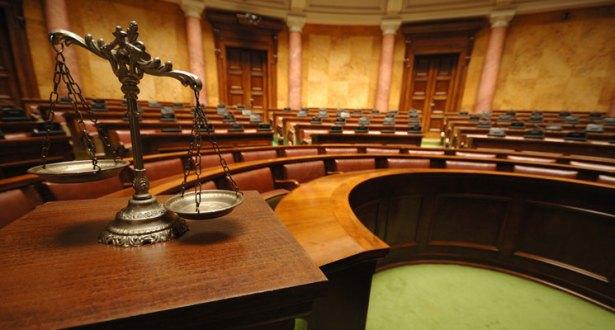 مبدأ الفصل بين السلطات وتأثيره على النظم الديمقراطية