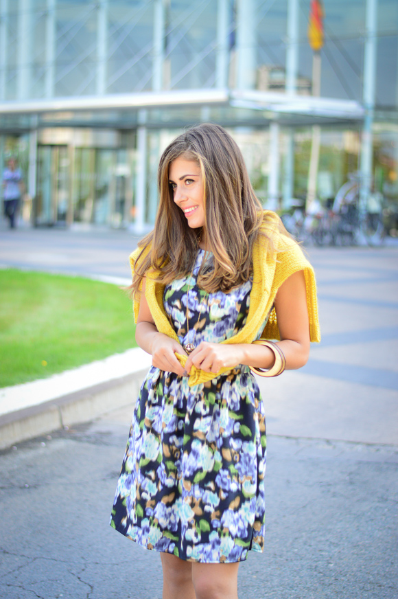 Benettom-Furla-Autmn-Outfit-Denina-Martin-Bulgaria-Mall-2