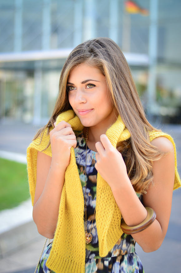 Bulgarian Fashion Blogger Denina Martin in partnership with Bulgaria Mall for creating an outfit of the week