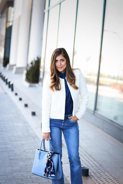Blue-Flare-Jeans-Look-Denina-Martin-1