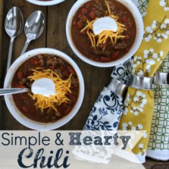 http://theturquoisehome.com/2013/10/simple-hearty-chili-recipe/