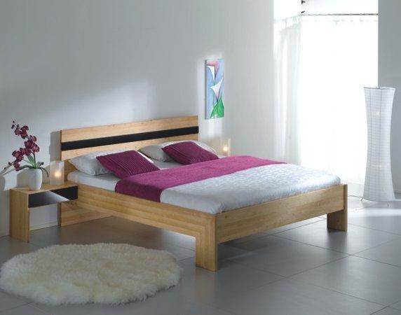 T-Drei Betten aus Massivolz mit metallfreien Eckverbindungen
